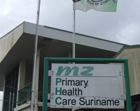 MZ vlag officieel gehesen
