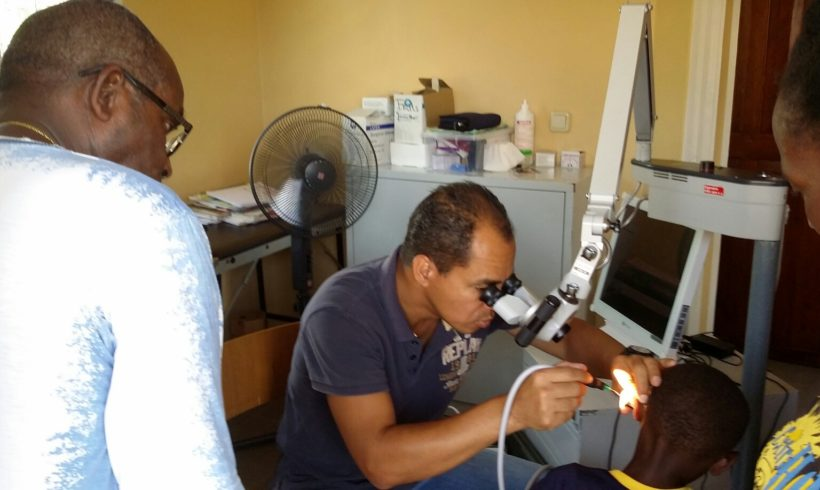ENT specialist screens patients in Ladoani