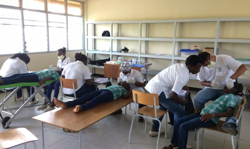 GZA-studenten lopen tandheelkunde stage