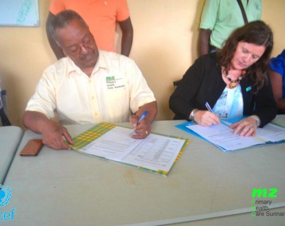 MZ neemt officieel ECD kits in ontvangst van Unicef