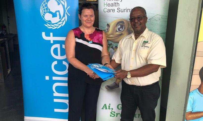 UNICEF schenkt drie vaccinkoelkasten aan MZ poliklinieken