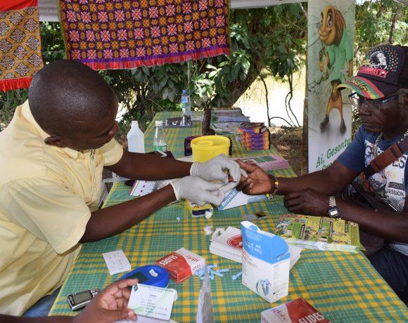 Medische Zending onderscheiden door minister van Volksgezondheid voor bijdrage in Malaria preventie en controle