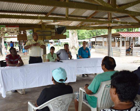 Medische Zending en Malaria programma organiseren Malaria krutu op Kawemhakan