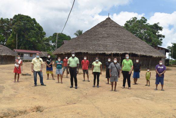 Medische Zending en Malaria Programma houden krutu in Pelele Tepoe