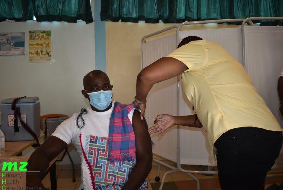 Start vaccinatie campagne: MZ benadrukt samenwerking met gemeenschap